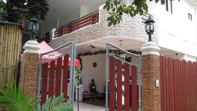 AJ Travellers Inn